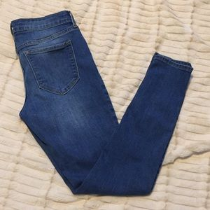 OLD NAVY ROCK STAR JEANS SIZE6